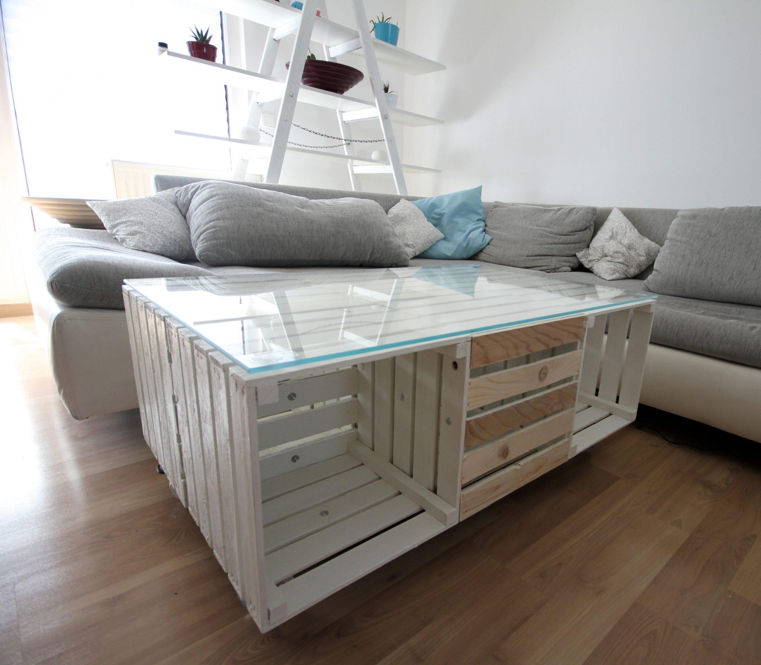 """Deco Avec Des Caisses De Pommes table en caissettes """"rolly"""" blanc avec plateau en verre"""