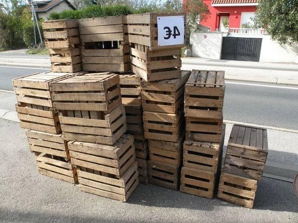 caisse en bois brulé