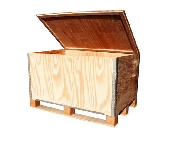 caisse en bois avec roulettes